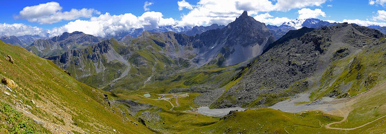 Méribel-Mottaret, la Saulire (2738m), vue sur l'aiguille du fruit (3050m) et les glaciers de Gebroulaz et Péclet