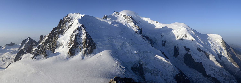 Haute-Savoie, Aiguille du Midi (Grand Capucin, Mt Blanc du Tacul, Mt Maudit et Mt Blanc)