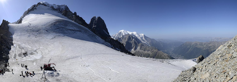 Haute-Savoie, Argentière (Aiguille des Grands Montets 3295m, Grand Dru, Petit Dru, Mt Blanc & Aiguille du Midi)