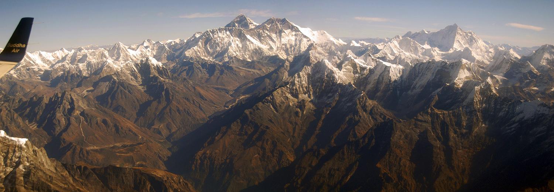 Survol de l'Himalaya, de l'Everest vers l'Annapurna