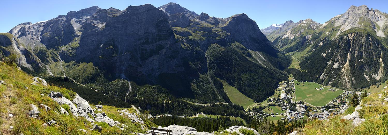 Pralognan-la-Vanoise, le mont Bochor, vue sur le village