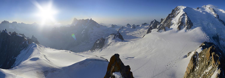 Haute-Savoie, Aiguille du Midi (Grandes Jorasses, Dent du Géant, Mt Blanc du Tacul, Mt Maudit et Mt Blanc)
