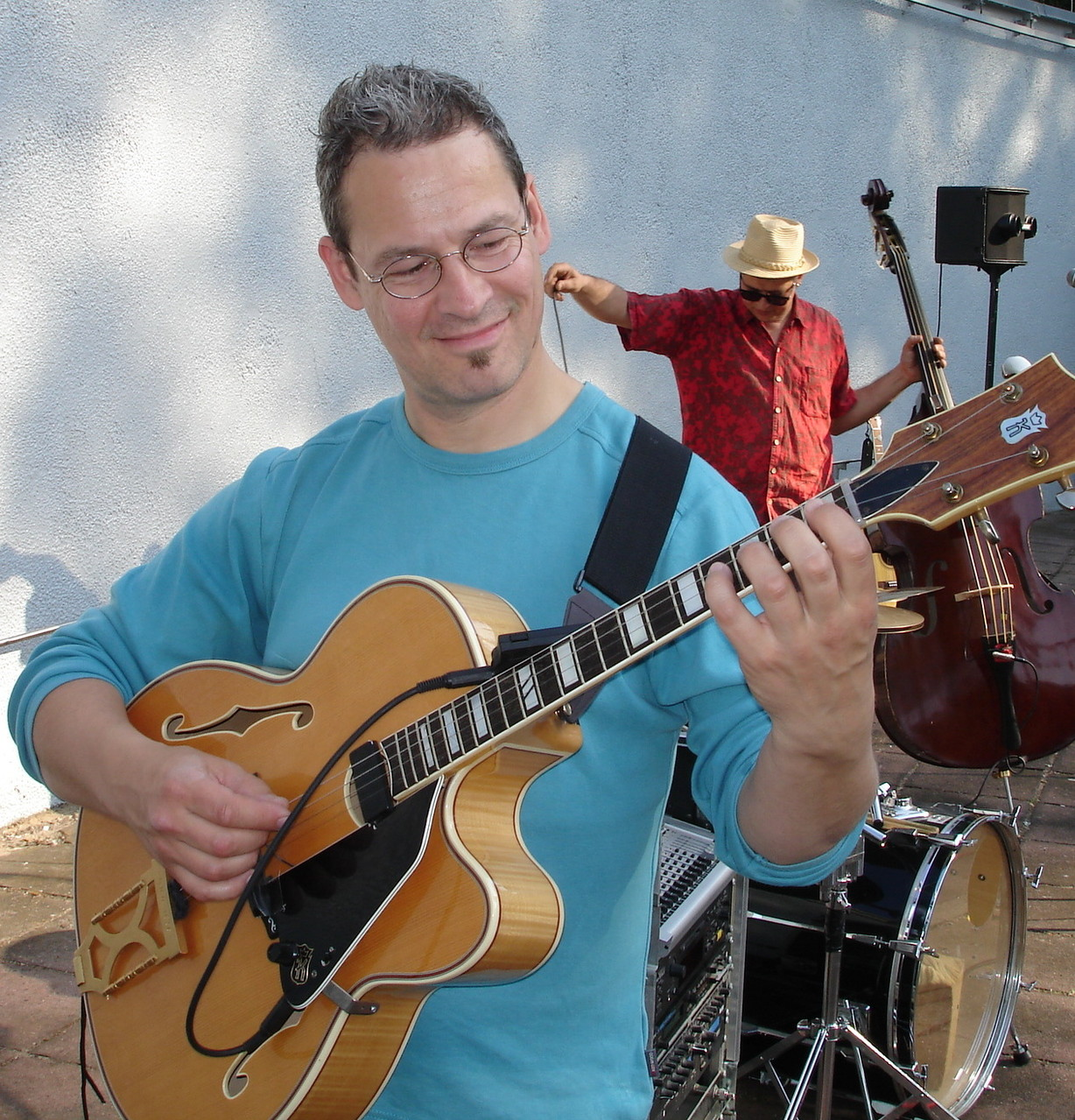 Matthias Opitz, seit Beginn dabei, ist Jazzpianist, Komponist und Bandleader u.a. Montagsorchester