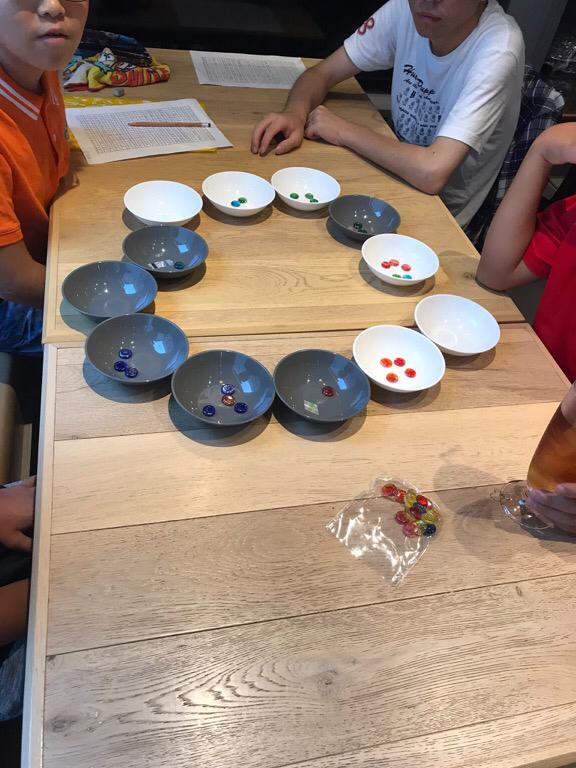 最近の算楽塾ゲームタイムは、マンカラ。算楽塾ルールもあります。