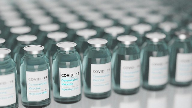 Faktencheck Covid-Impfung - Wenn ein Flyer Angst machen soll
