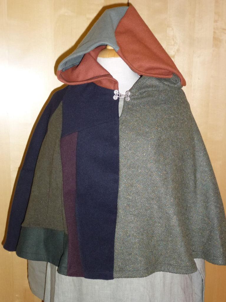 Umhänge und Gugeln - Gewänderzauber, Maßgewandung für Mittelalter ...