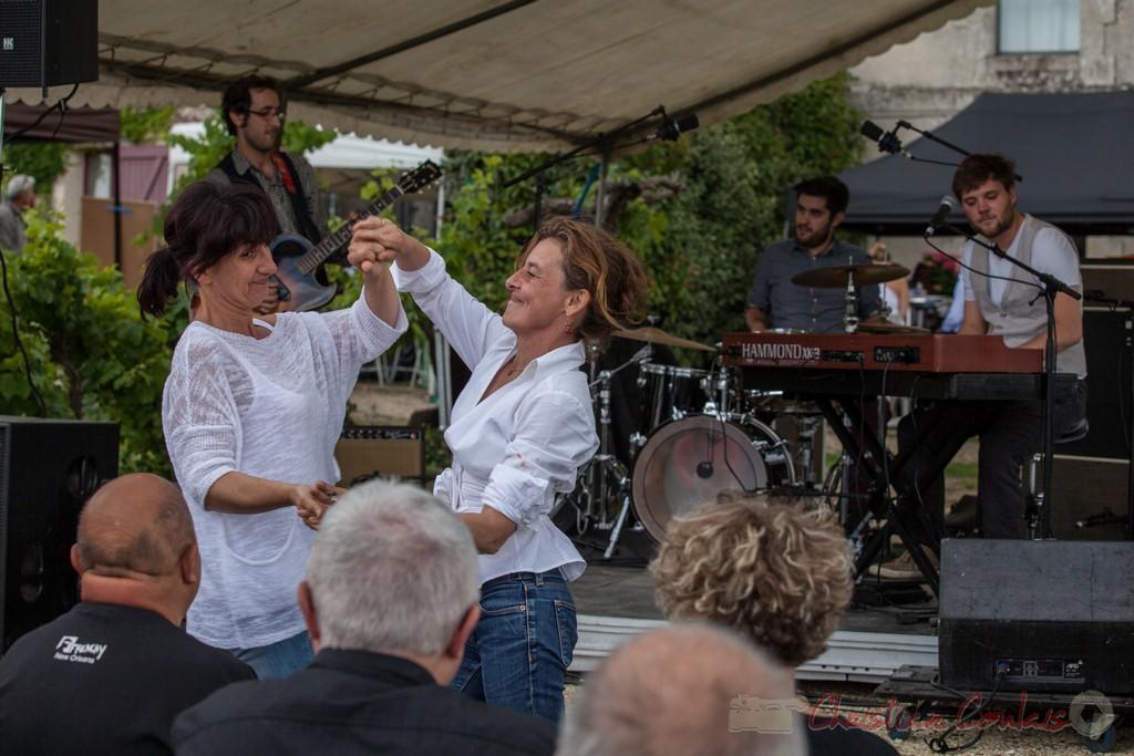 """Avec Electric Boots, """"on y danse, on y danse"""". Festival JAZZ360 2015, Château Lestange, Quinsac"""