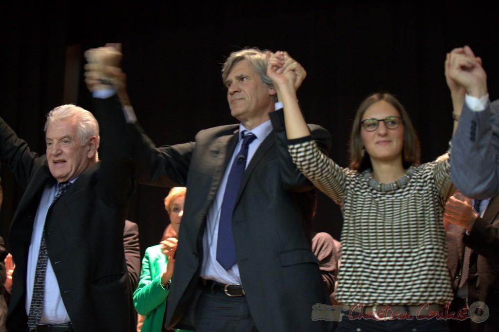 """Main dans la main, élus et futurs élus. Meeting """"Majorité départementale"""" aux élections départementales de la Gironde, Blasimon, 9 mars 2015"""
