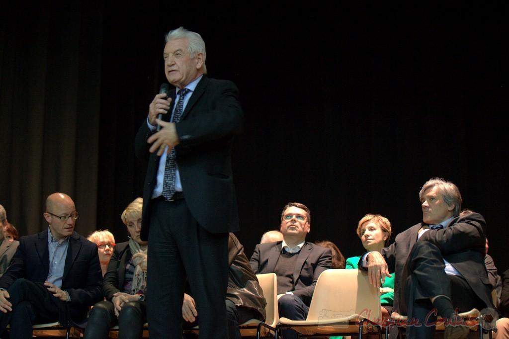 """Philippe Madrelle, sans aucune note s'exprime. Meeting """"Majorité départementale"""" aux élections départementales de la Gironde, Blasimon, 9 mars 2015"""