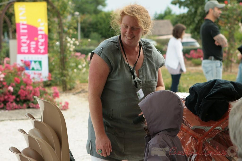 Catherine Courrèges-Commarmond, médiatrice auprès de la vie associative. Festival JAZZ360, Cénac, 04/06/2011