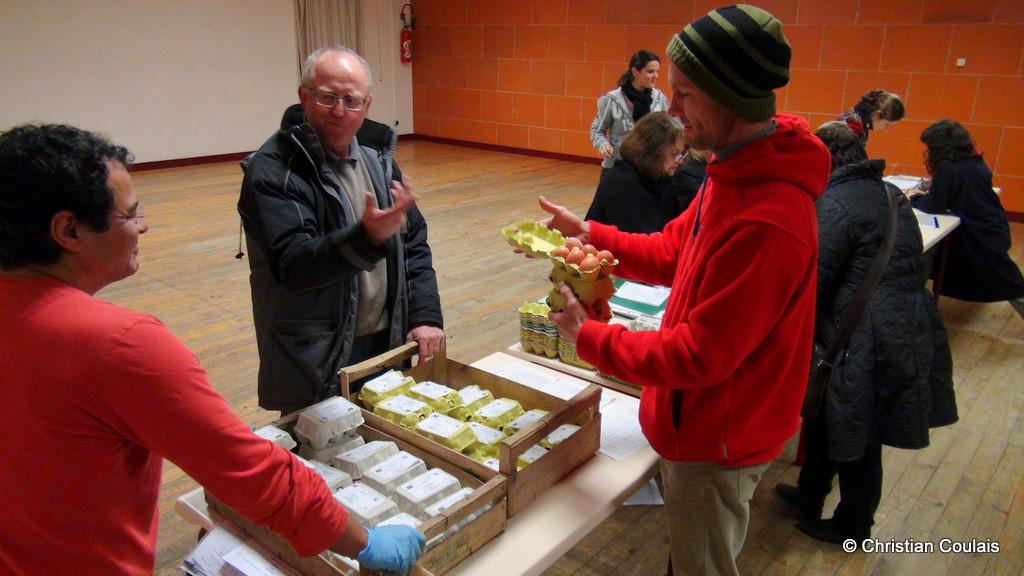 Distribution des œufs, association la Cueillette, Quinsac