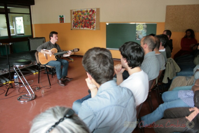 Conférence jouée de Sylvain Luc. Festival JAZZ360, groupe scolaire, Cénac. Samedi 15 mai 2010