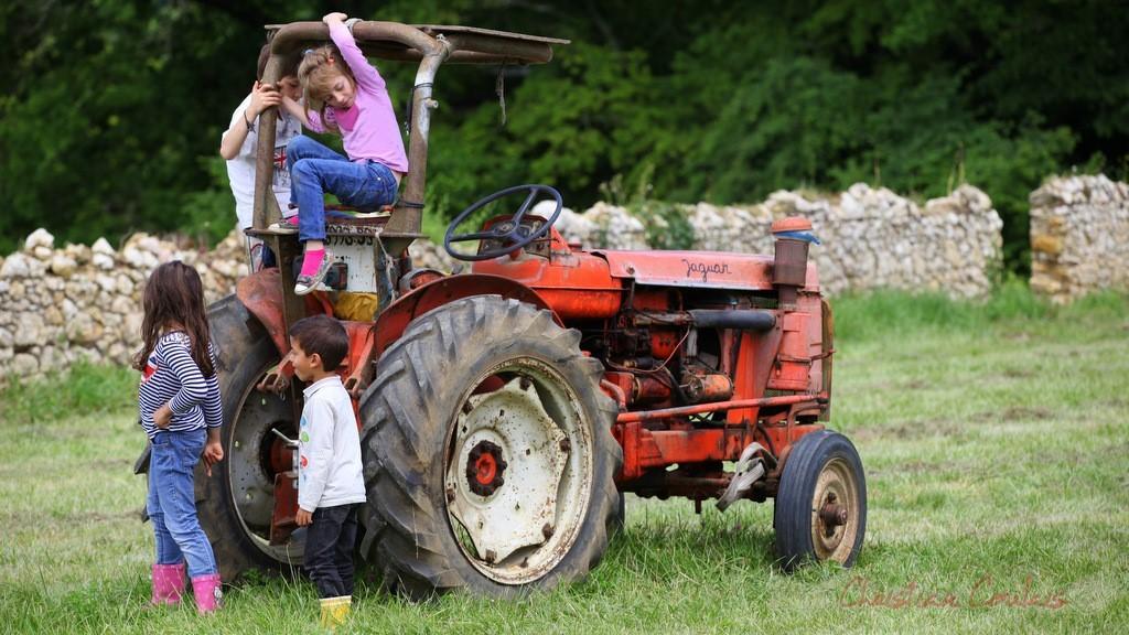 """""""On y monte sur le tracteur"""" Festival JAZZ360 2013, château Lestange, Quinsac, dimanche 9 juin 2013"""