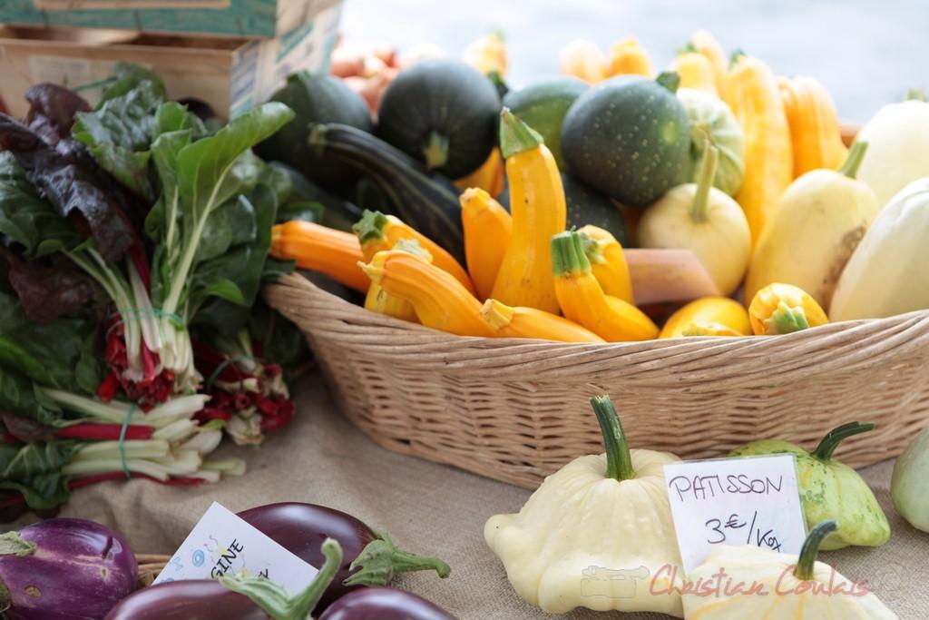 Stand de légumes issus de l'Agriculture Biologique, Marché de Créon, Gironde