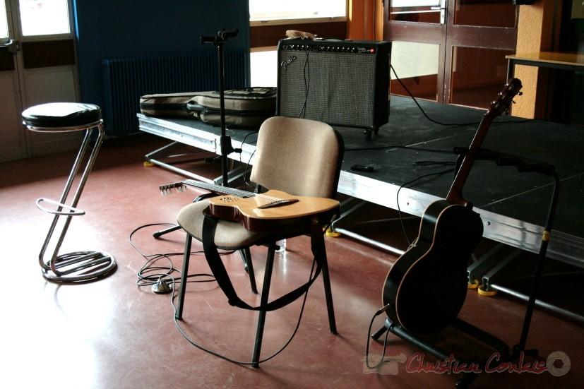 Les deux guitares de Sylvain Luc. Festival JAZZ360 2010, groupe scolaire de Cénac, samedi 15 mai 2010