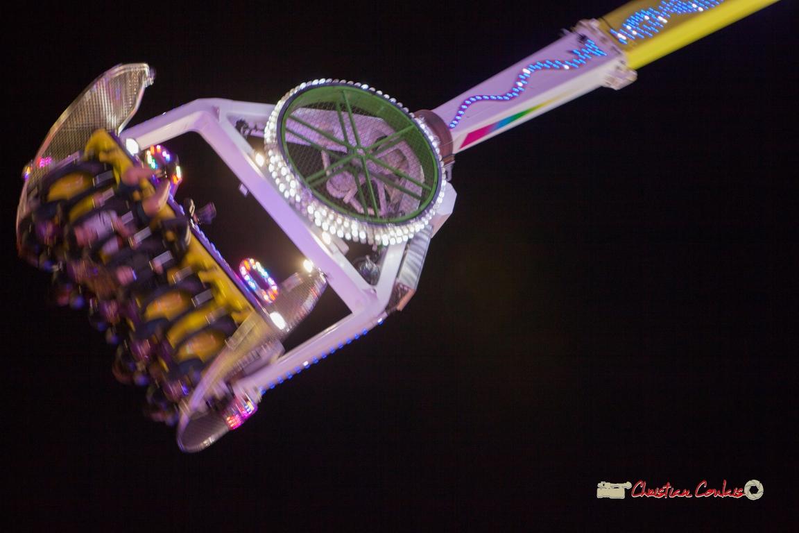 Mouvement VI. Foire aux plaisirs & attractions foraines, Bordeaux, mercredi 17 octobre 2018. Reproduction interdite - Tous droits réservés © Christian Coulais
