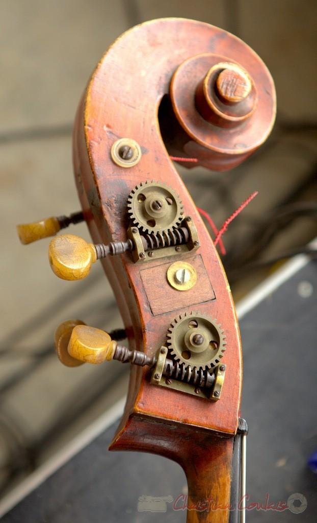 "Chevillier et volute de contrebasse"" Alex Golino & David Blenkhorn Quartet, Festival JAZZ360 2012, château Roquebrune, Cénac, samedi 9 juin 2012"