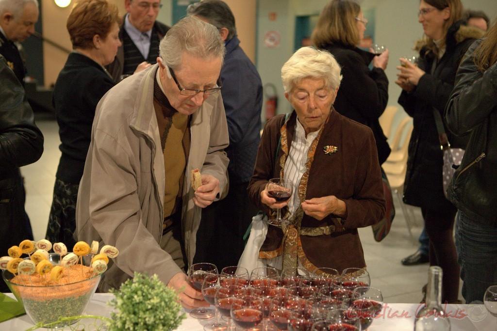 Yves Dubourdieu. Vin d'honneur pour l'honorariat de Simone Ferrer et Gérard Pointet, anciens Maires de Cénac, vendredi 3 avril 2015