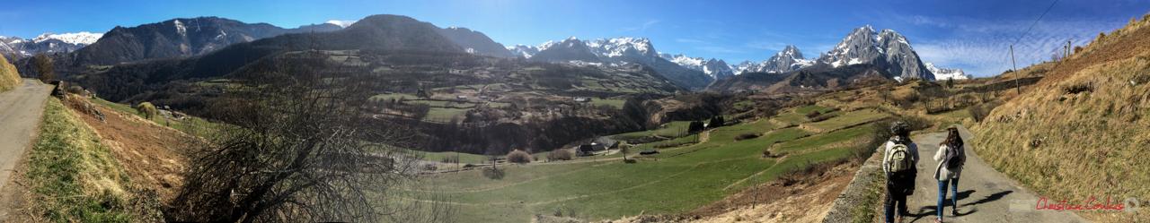 Cirque de Lescun, le rendez-vous des marcheurs et randonneurs. RD 340, Escouay, vallée d'Aspe, Pyrénées-Atlantiques