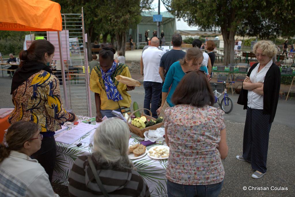 Vente des légumes des producteurs de La Cueillette, forum des Associations de Quinsac