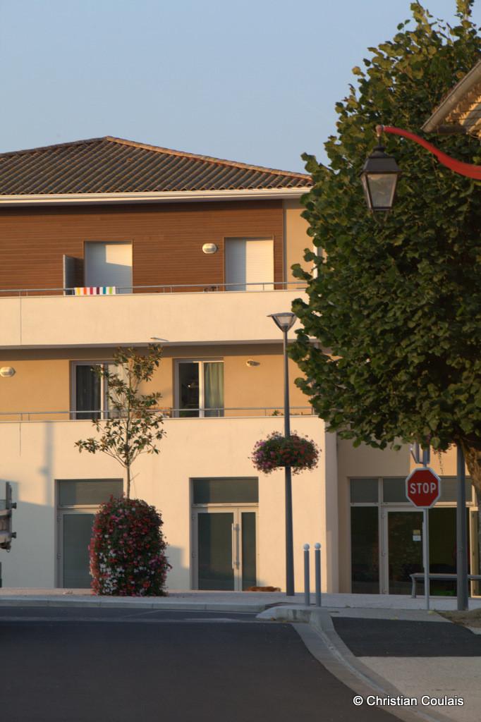 Sadirac, nouveau cœur de bourg commerçant. Gironde