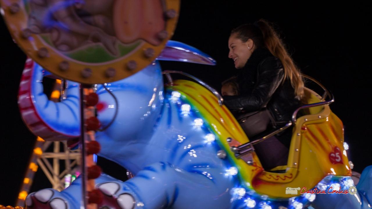 """""""Jumbo surgit III"""" Foire aux plaisirs & attractions foraines, Bordeaux, mercredi 17 octobre 2018. Reproduction interdite - Tous droits réservés © Christian Coulais"""