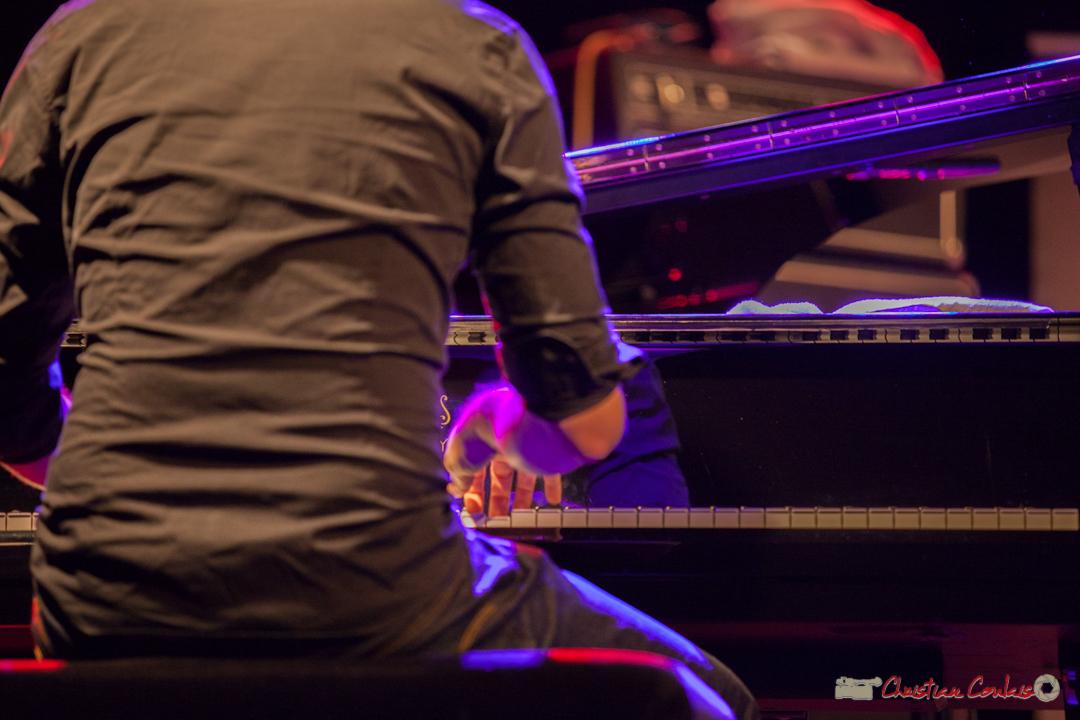 """Etude de mouvements 2"". Rémi Panossian, Rémi Panossian RP3 Trio, Festival JAZZ360, Cénac, 9 juin 2017"