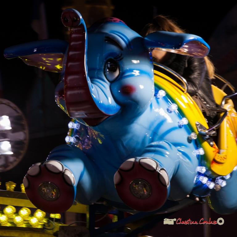 """""""Jumbo surgit II"""" Foire aux plaisirs & attractions foraines, Bordeaux, mercredi 17 octobre 2018. Reproduction interdite - Tous droits réservés © Christian Coulais"""