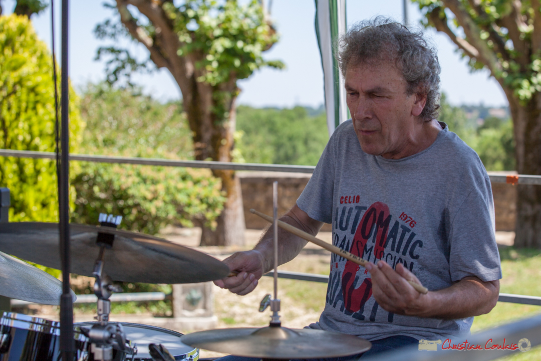 Solo de Christian Ton Ton Salut, batteur; Soul Jazz Rebels. Festival JAZZ360, 10 juin 2017, Camblanes-et-Meynac