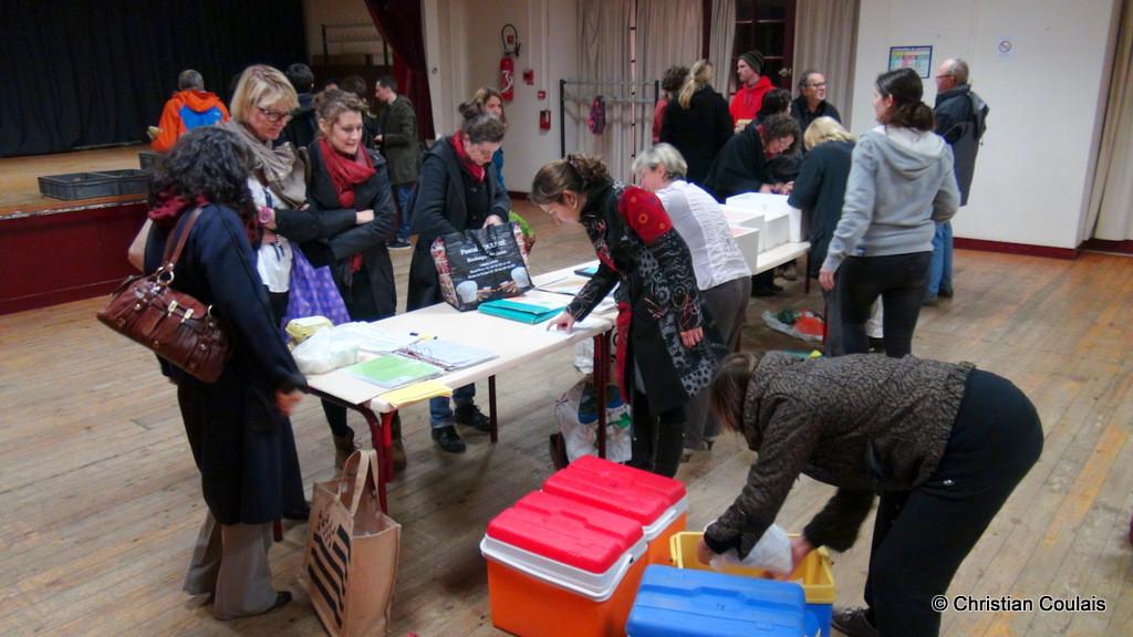 Distribution des volailles, association la Cueillette, Quinsac