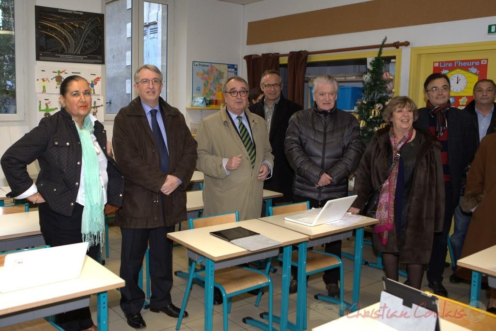 9 juin 2012. Philippe Madrelle à l'inauguration de la réfection d'une salle de classe et son informatique, Cambes