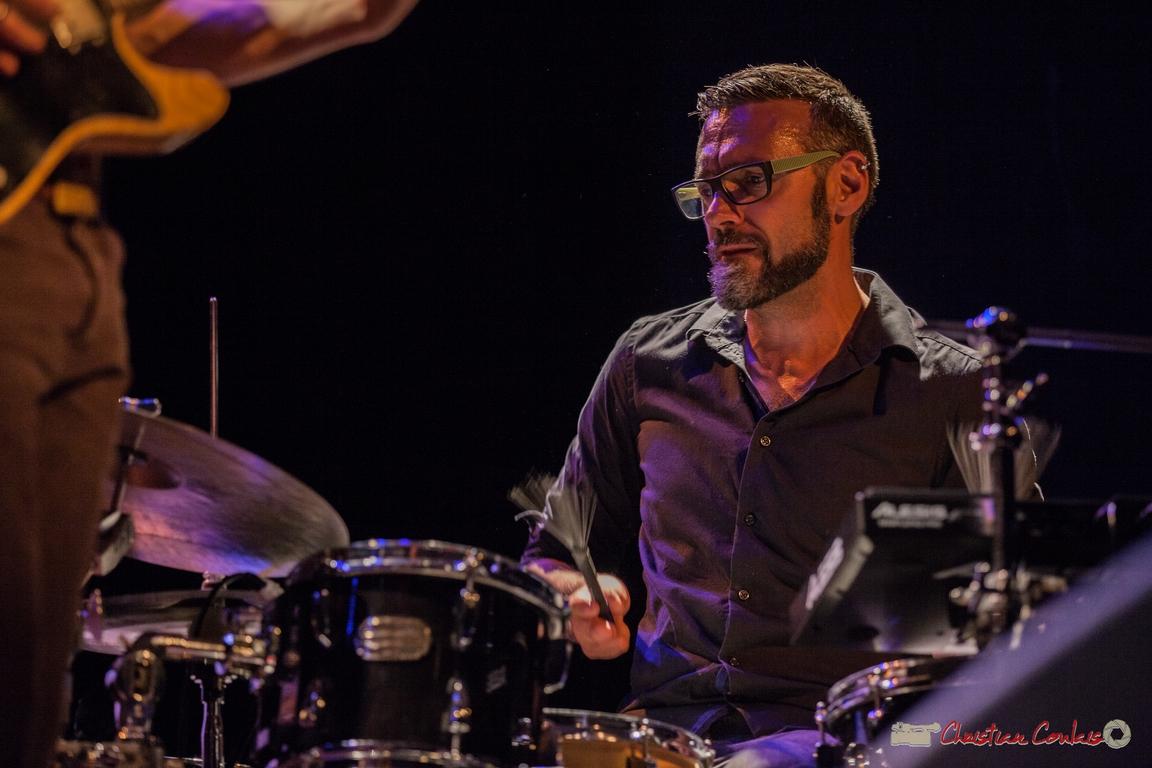 10/06/2016. Nicolas Larmignat, batterie, percussions, Sylvain Rifflet Quartet. Festival JAZZ360