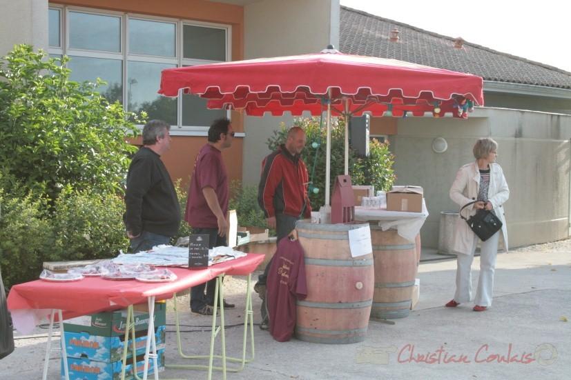 Dégustation des vins de Cénac, Jean-Christophe Vidal, château Roqubrune; Jean-Benoît Subra, château du Garde. Festival JAZZ360 2010, Cénac. 15/05/2010