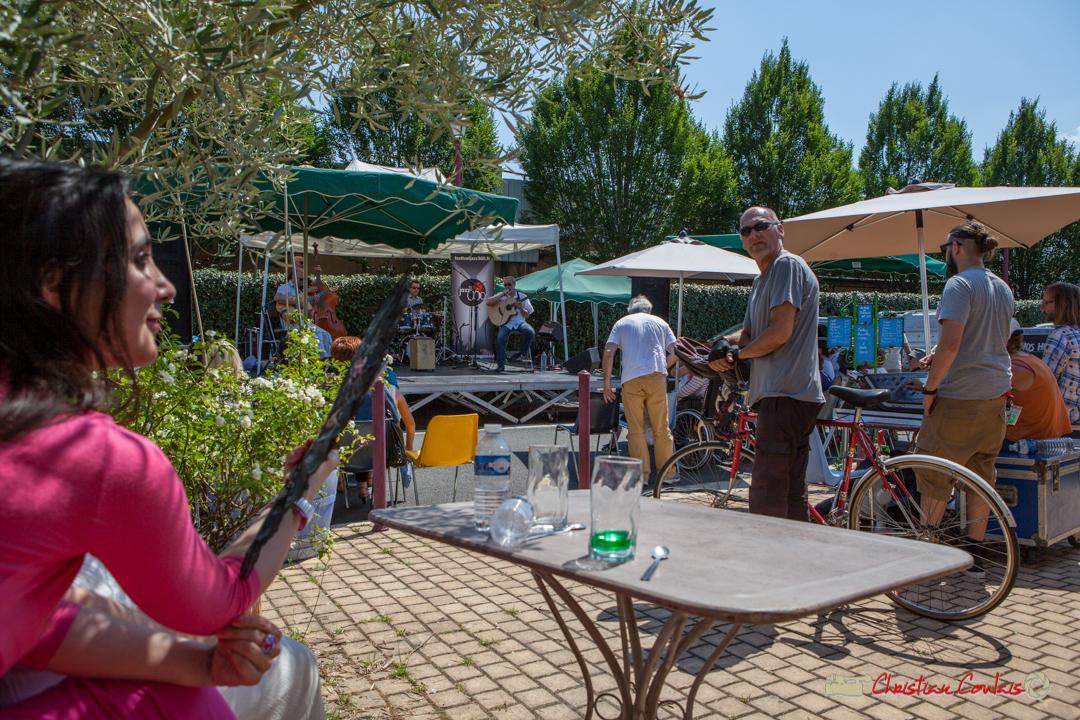 A deux tours de roue de la Piste cyclable Roger Lapébie, un concert gratuit en plein air, Mystèretrio. Ancienne Gare de Latresne, Festival JAZZ360, 11 juin 2017