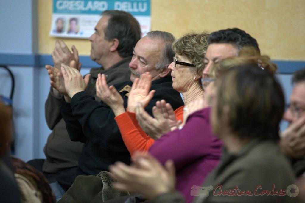 """Applaudissements du public aux propos de Bernard Castagnet. Meeting """"Majorité départementale"""" aux élections départementales de la Gironde, Blasimon, 9 mars 2015"""