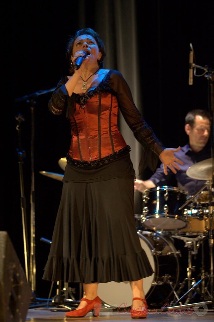 """Carole Simon; Nougaro en 4 couleurs, """"Hommage à Claude Nougaro"""". Les jeudis du Jazz, Créon, 16/04/2015. Reproduction interdite - Tous droits réservés © Christian Coulais"""