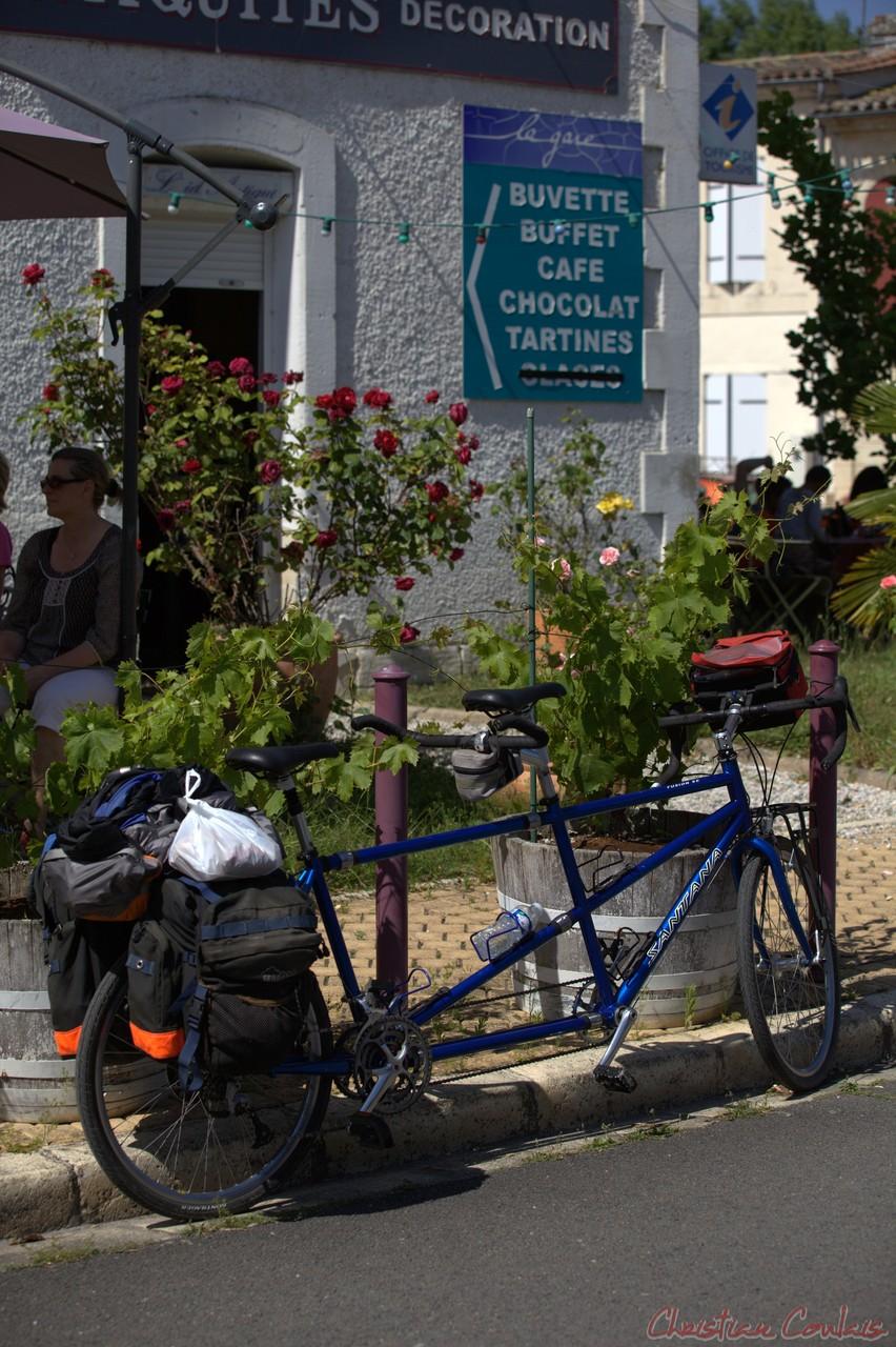 Festival JAZZ360 2014, un arrêt surprise pour ces cyclistes, Piste Roger Lapébie, Gare de Latresne