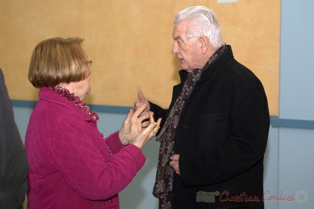 """Une militante du P.S. et Philippe Madrelle. Meeting """"Majorité départementale"""" aux élections départementales de la Gironde, Blasimon, 9 mars 2015"""