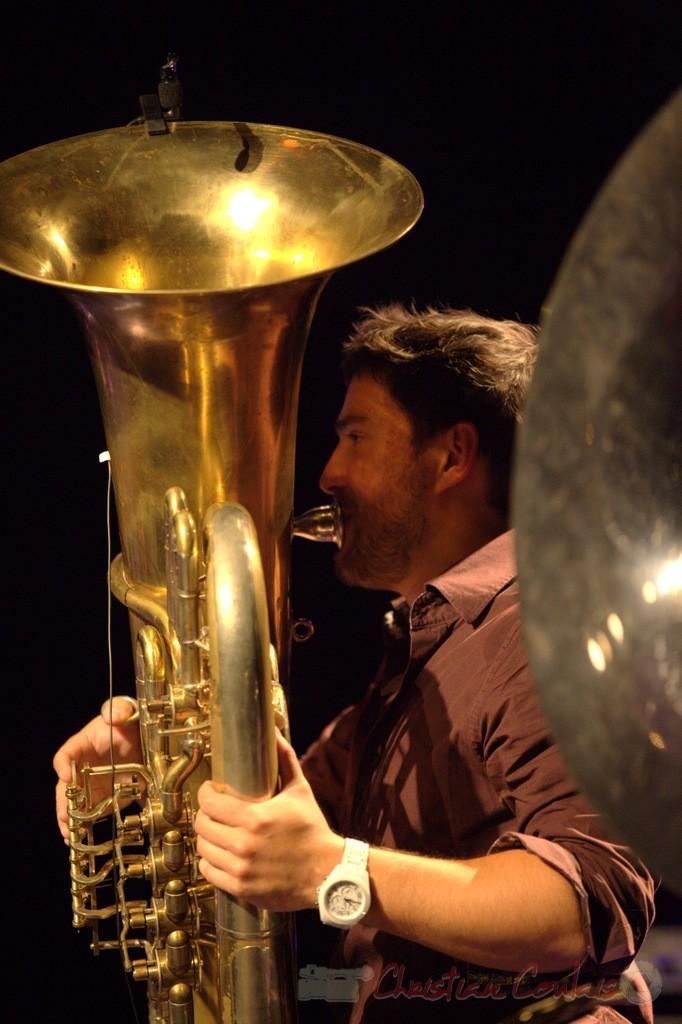 Damien Bachère et son tuba; Manguidem Taf Taf Trio, Festival JAZZ360 2012, Cénac. 09/06/2012