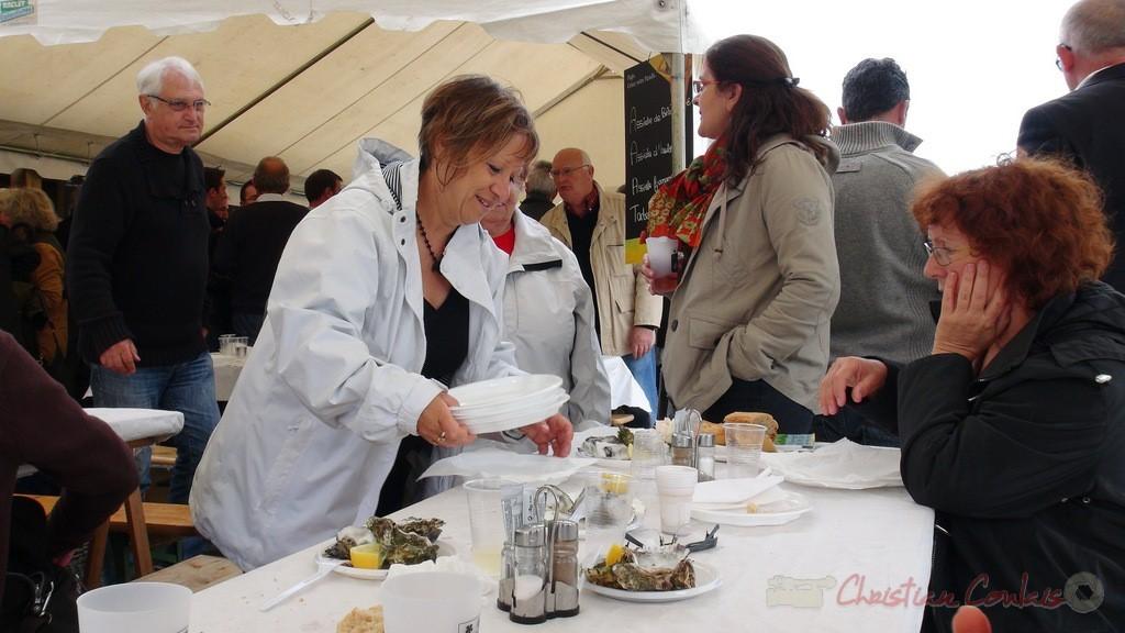 """""""On y mange des huitres du Bassin d'Arcachon"""" Festival JAZZ360 2013, château Lestange, Quinsac, dimanche 9 juin 2013"""