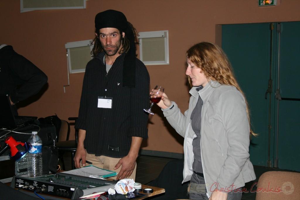 Les équipes son et lumières, dont Leslie Seuve et Pablo Jaraute. Festival JAZZ360 2010, Cénac