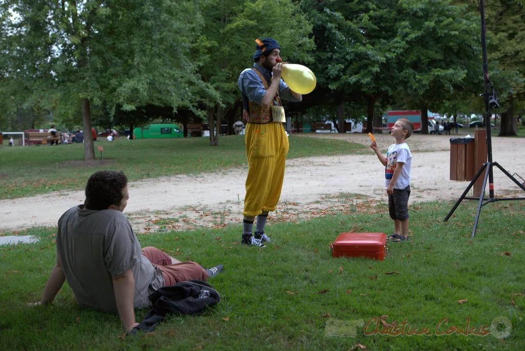 Scène de parc, Fest'Arts 2015, clown Mango