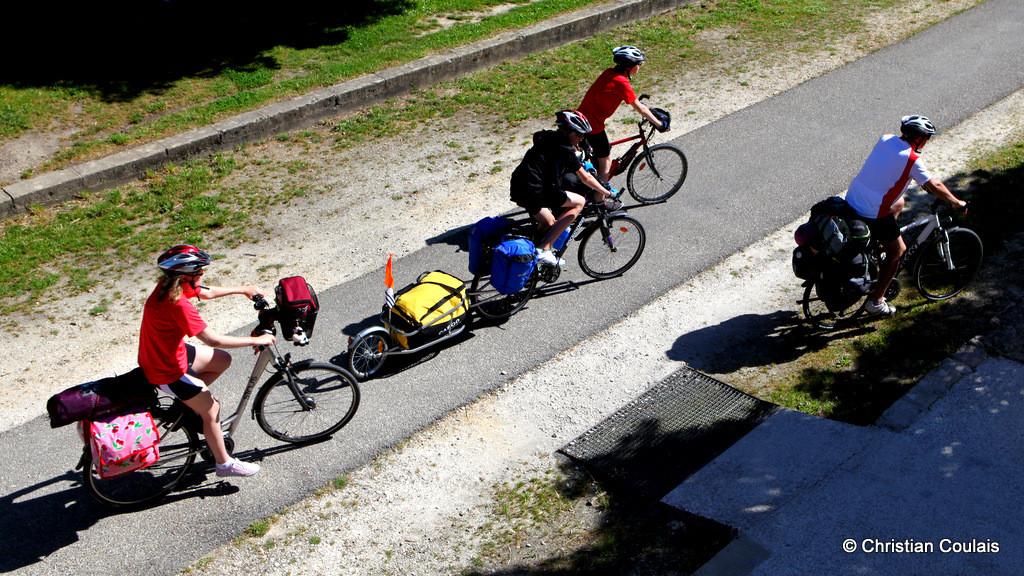Station relais vélo, piste cycliste Roger Lapébie, Créon