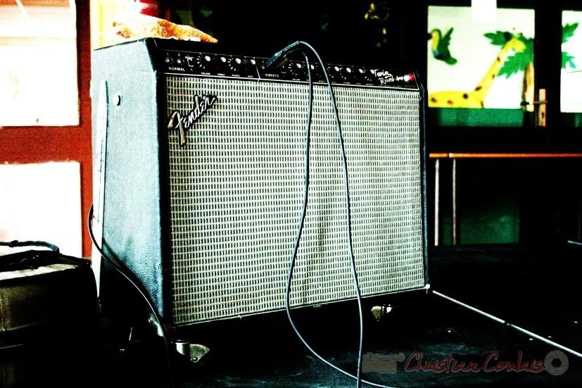 Amplificateur Fender prêté par Serge Duerling, Studio Berduquet. Festival JAZZ360 2010, groupe scolaire, Cénac. Samedi 15 mai 2010