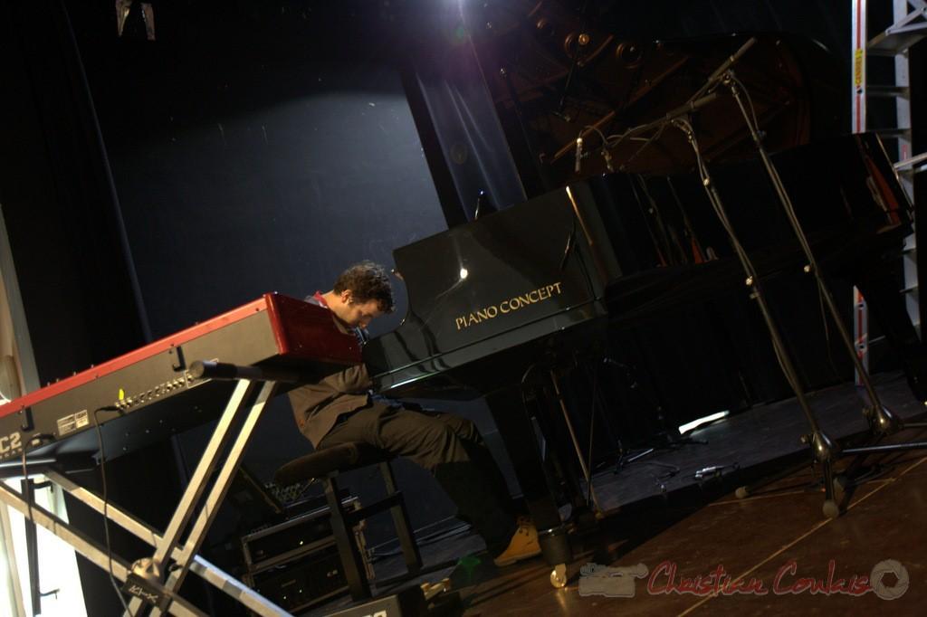 Les premières notes de Laurent Coulondre, pianiste, organiste. Coulisses Festival JAZZ360, 12/06/2015