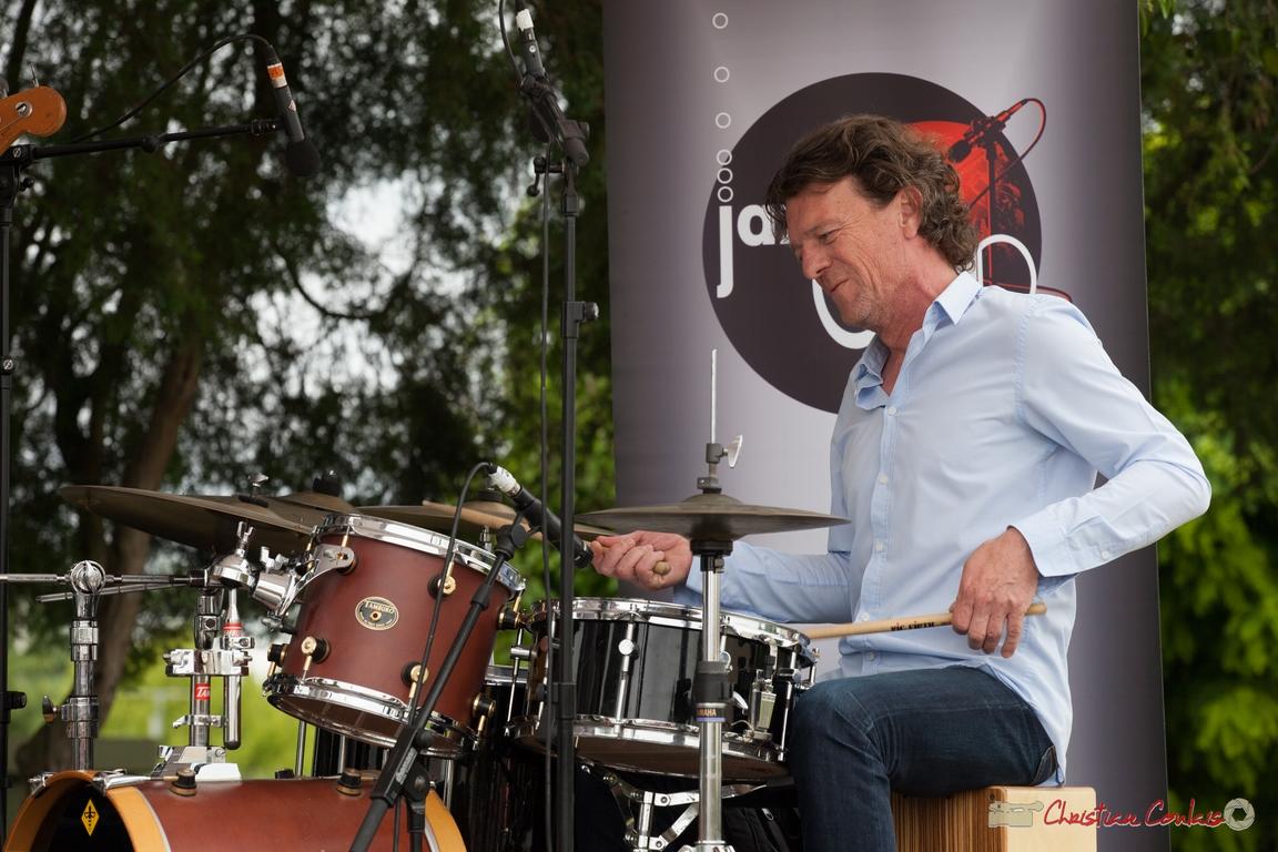 12/06/2016. Christophe Léon Schelstraete, batterie, cajon, percussions, Taldea Group. Festival JAZZ360
