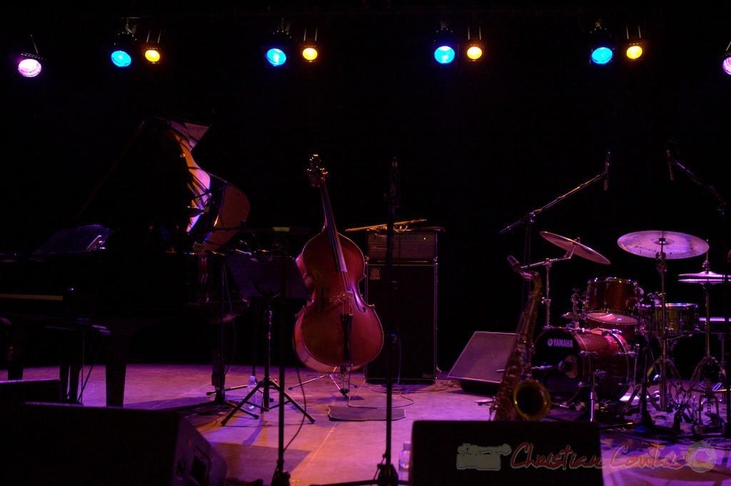 """Après-concert. Frédéric Borey """"Lines"""" Quartet, Festival JAZZ360 2012, salle culturelle de Cénac. 08/06/2012"""