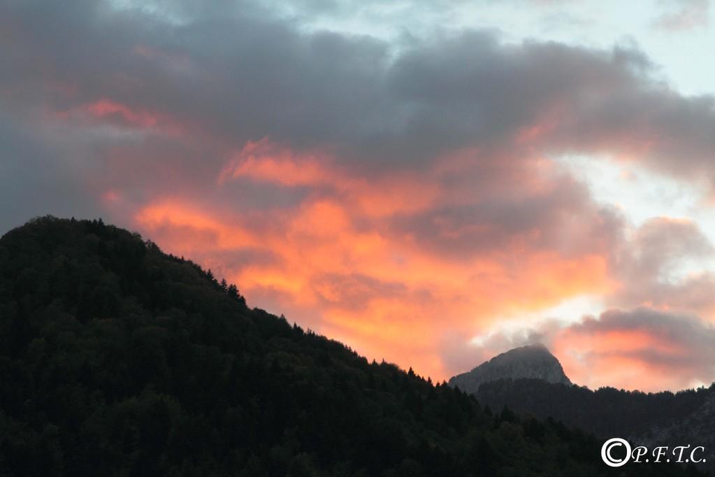 Dernier coucher de soleil sur Thônes, avant le départ...