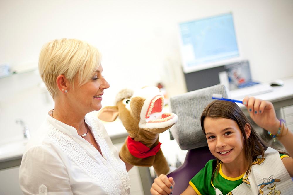 Kinderprophylaxe, Zahnarztpraxis Dr. Reinhardt, Fürth