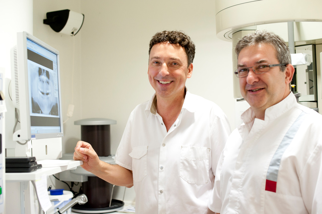 Besprechung unter Kollegen, Zahnarztpraxis Dr. Reinhardt, Fürth